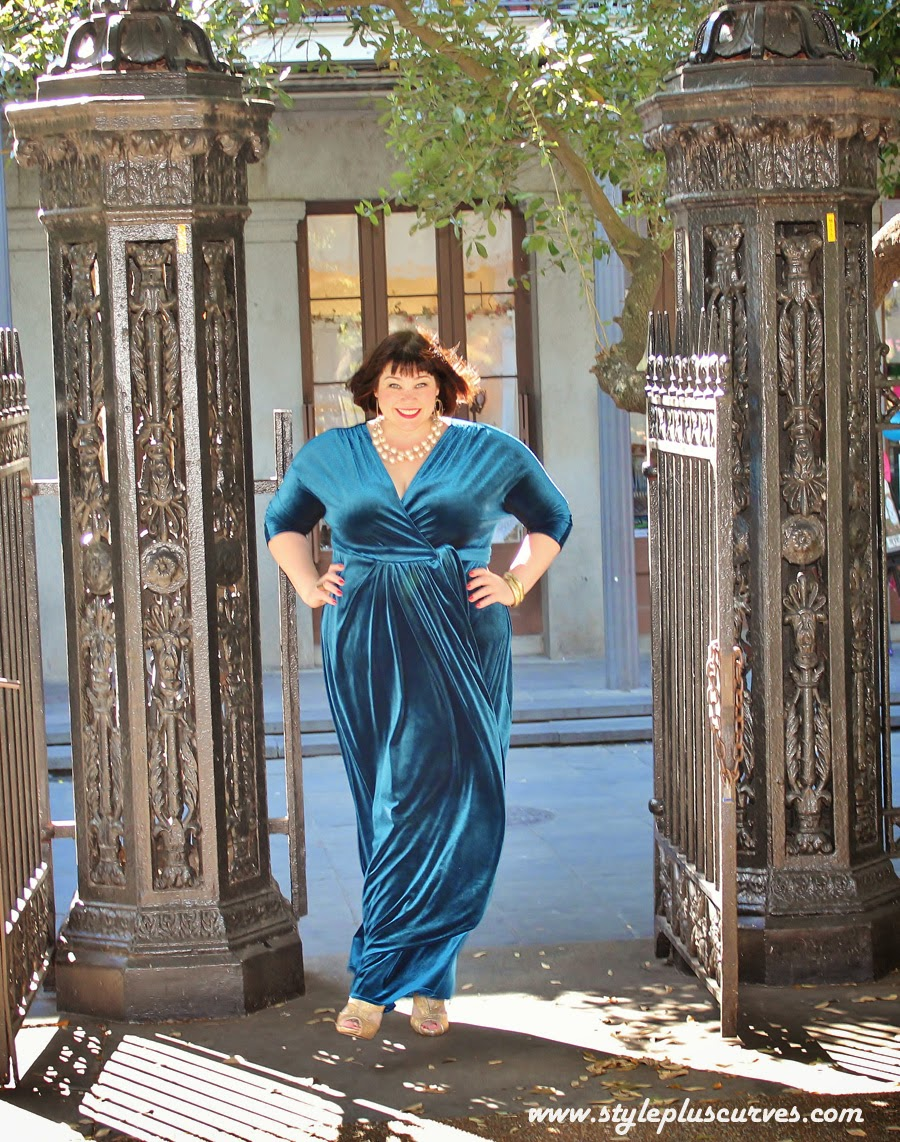 Plussize Holiday Style: Old Hollywood Glamour in Kiyonna\'s Velvet ...