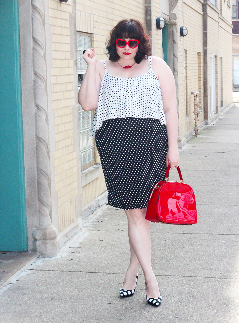Plus Size Blogger Amber from Style Plus Curves in Asos Curve Polka Dot Dress and Heart Sunglasses