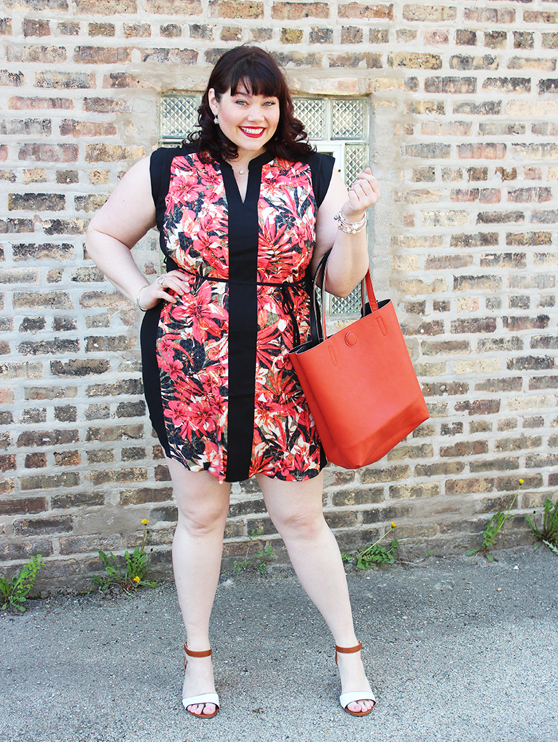 Plus Size Blogger Amber from Style Plus Curves in a Plus Size Tunic Dress from Yours Clothing