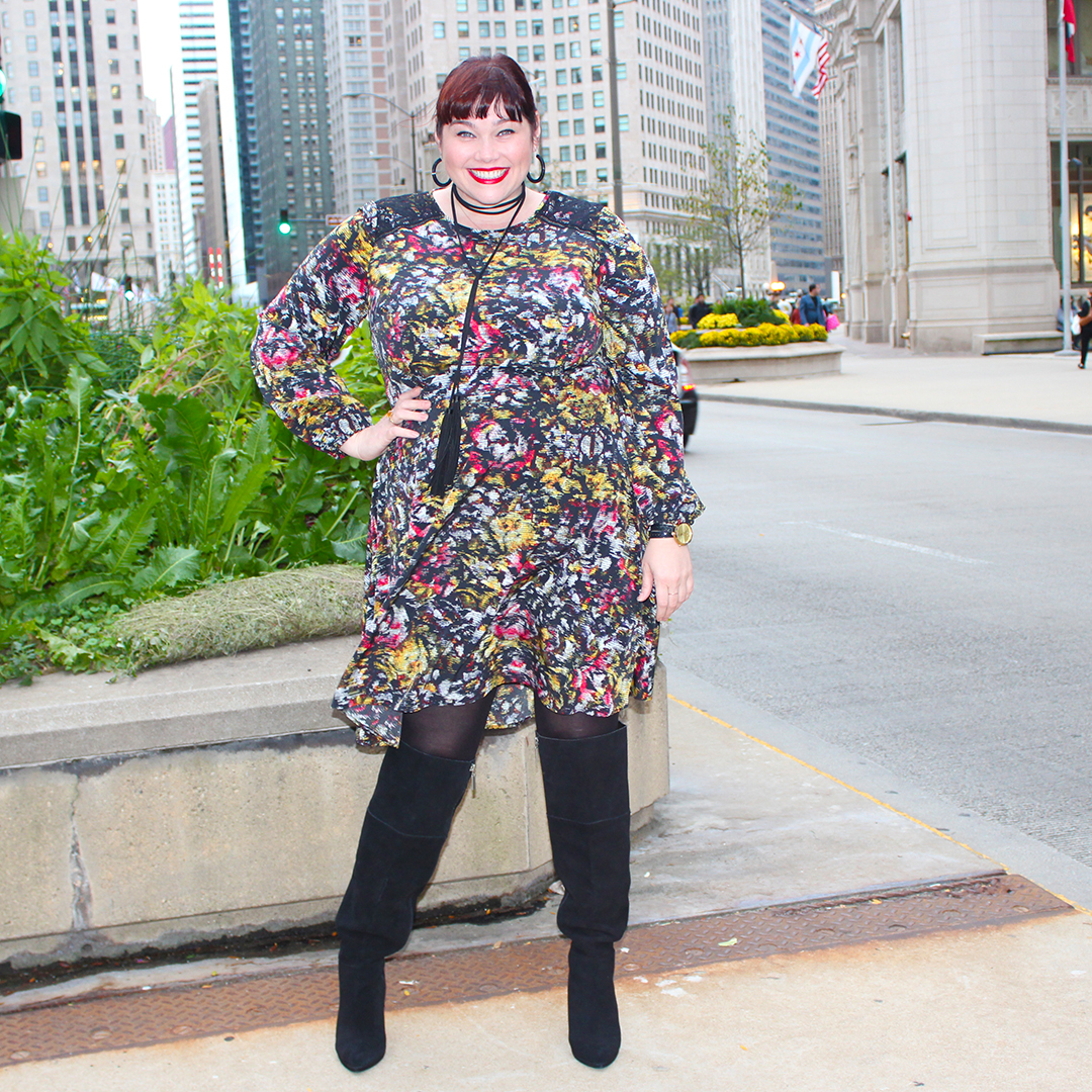 Chicago Plus Size Blogger Amber from Style Plus Curves in London Times Curve Plus Size Dress, digital print, fall fashion, Harper, fit-and-flare