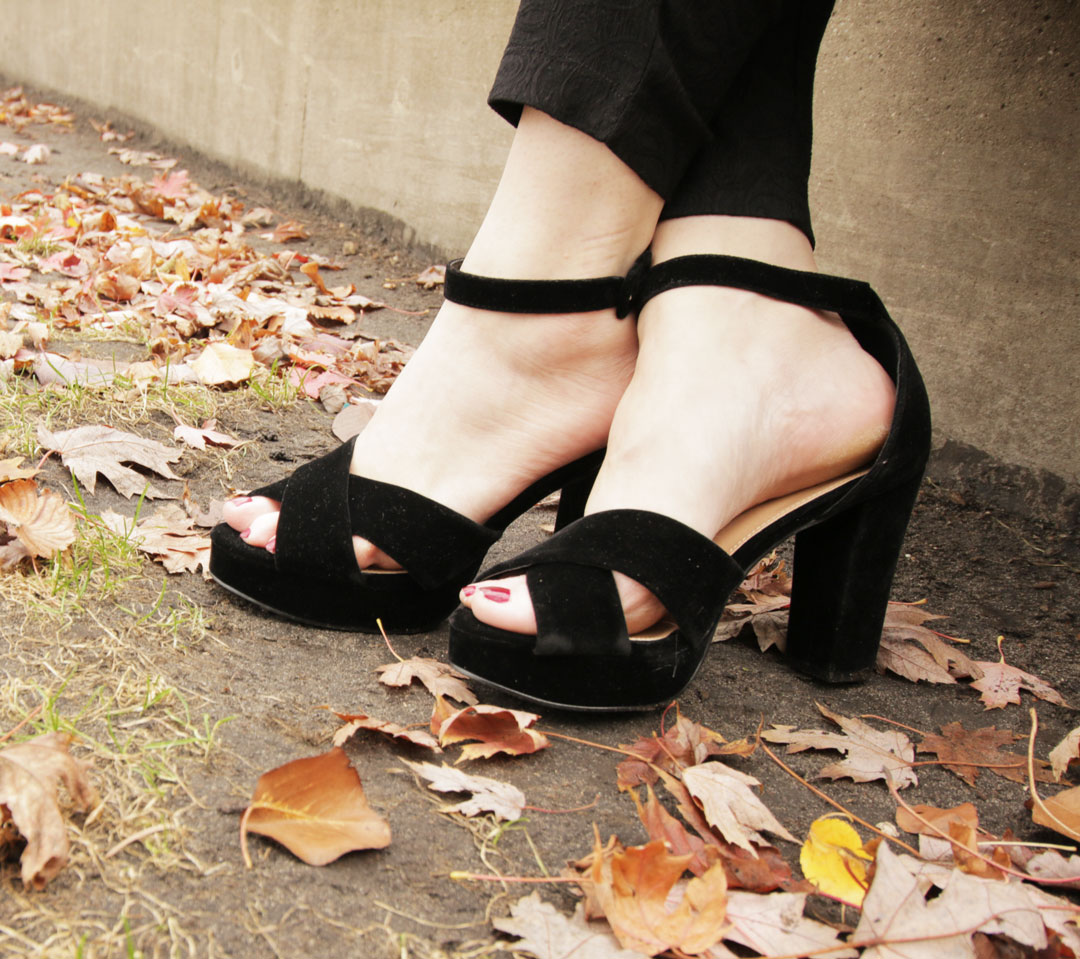 Simply Be Black Velvet Pumps