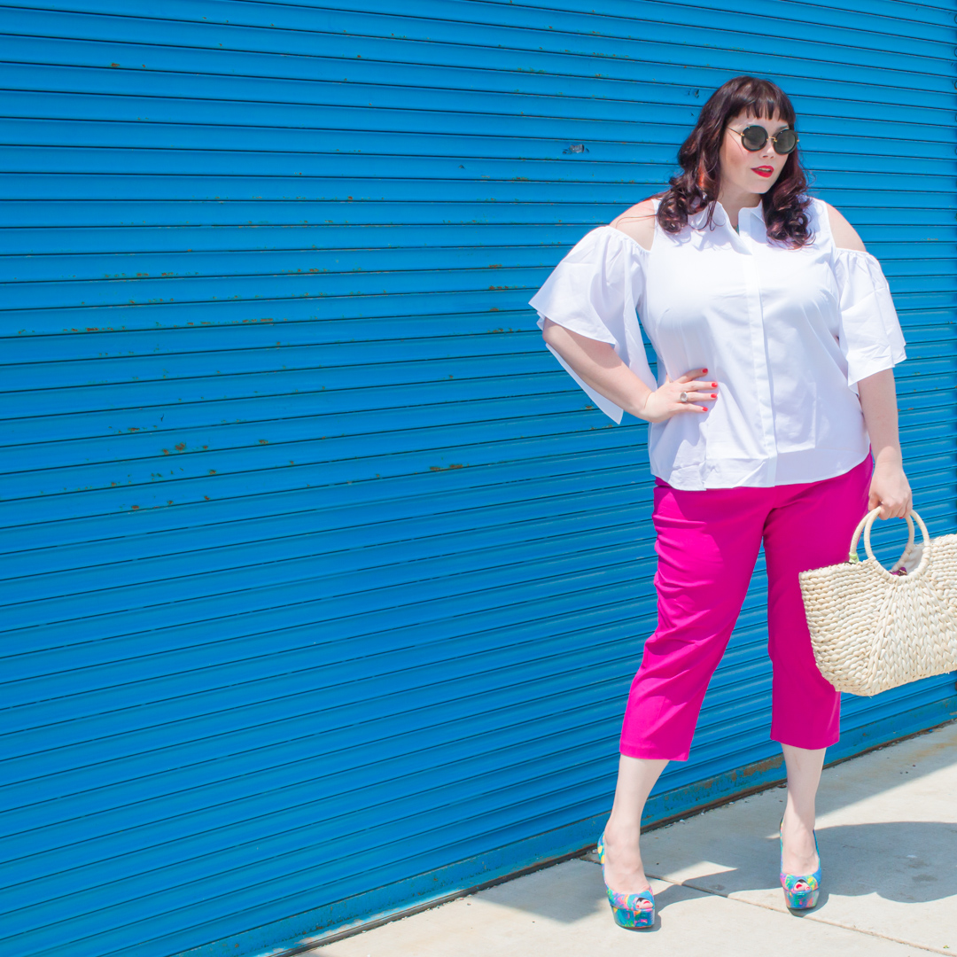 Chicago plus size blogger in Worthington Pink Pants and White Shirt from JCPenney