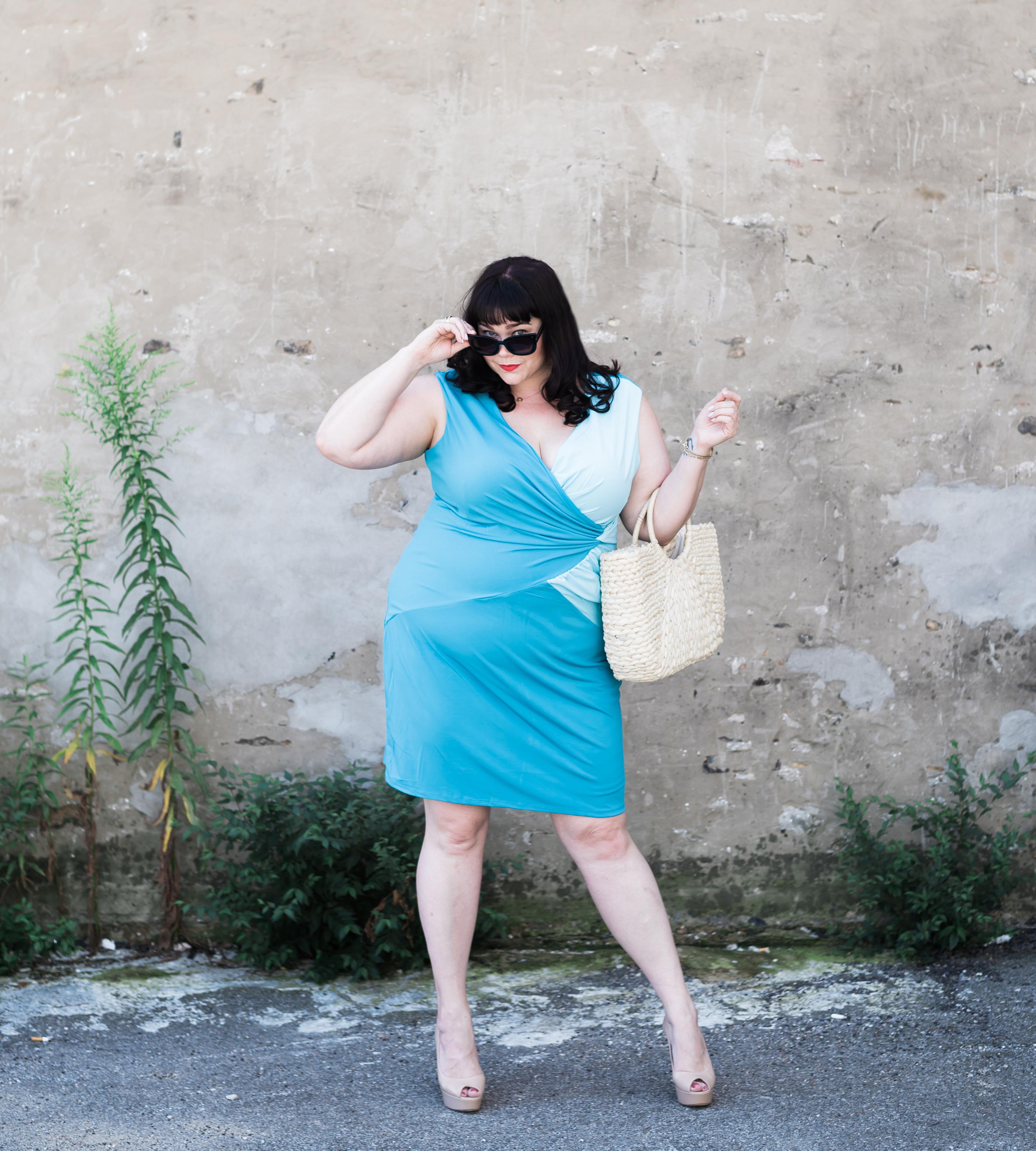 Gwynnie Bee Closet Haul, Style Plus Curves, Chicago Blogger, Chicago Plus Size Blogger, Plus Size Blogger, Amber McCulloch, Gwynnie Bee, Land Curve by Dora Landa, Teal Dress, Plus size dress