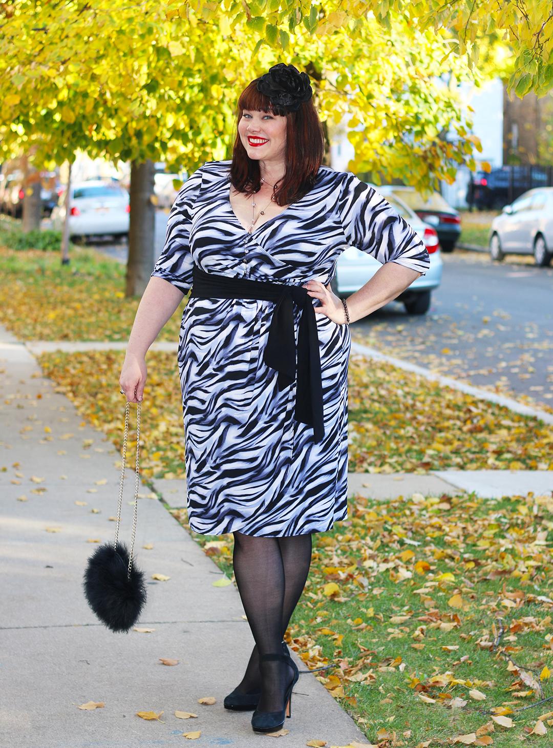 Kiyonna Dresses, Plus Size Blogger, Style Plus Curves, Chicago Blogger, Chicago Plus Size Blogger, Amber McCulloch, Kiyonna, Harlow Dahlia Faux Wrap Dress, Plus Size Dress
