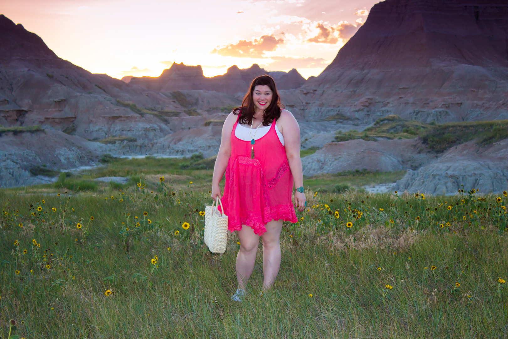 Loralette Review, Style Plus Curves, Chicago Blogger, Chicago Plus Size Blogger, Plus Size Blogger, Amber McCulloch, Loralette, Avenue Plus, Pink Babydoll Dress, South Dakota, Badlands National Park