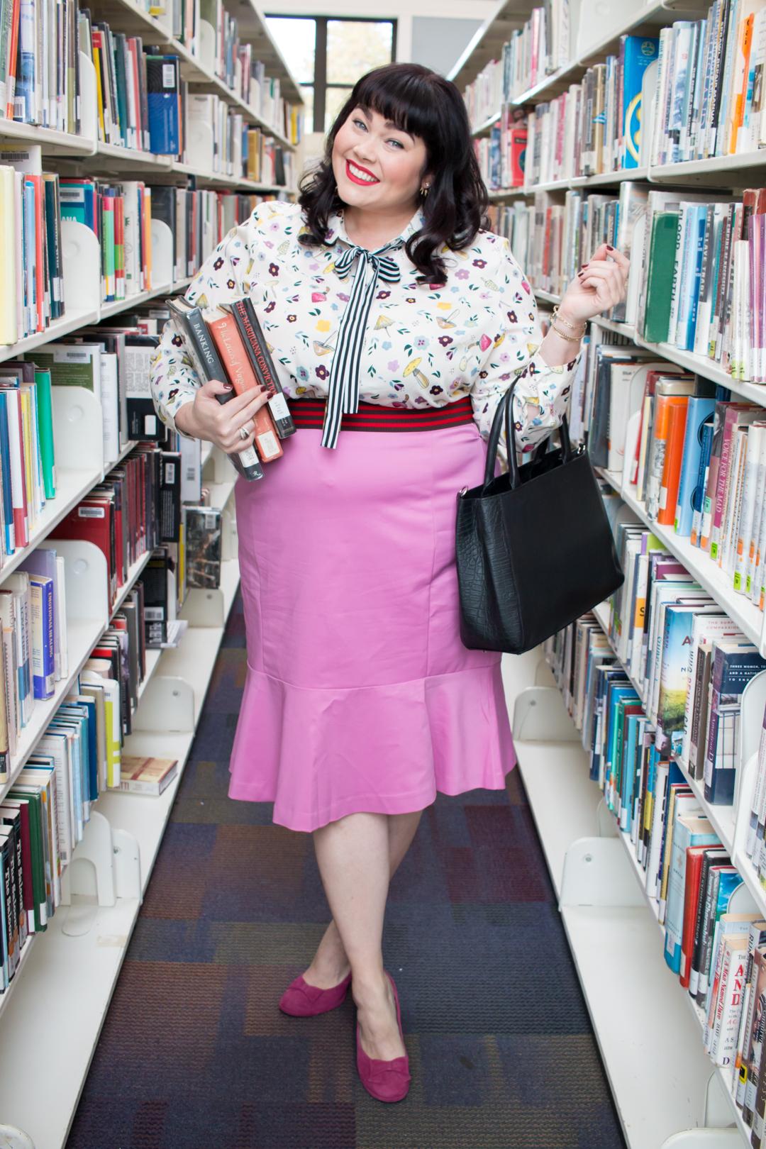 Librarian Style: Eloquii Conversational Print Blouse and Flounce Pencil  Skirt