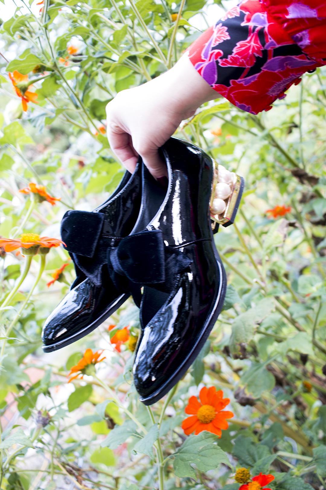 Jeffrey Campbell, Mary Jane Shoes, Velvet Bow Shoes, Pearl Heels, Plus Size Fashion Find, Plus Size Dress, Style Plus Curves, Chicago Blogger, Chicago Plus Size Blogger, Plus Size Blogger, Amber McCulloch