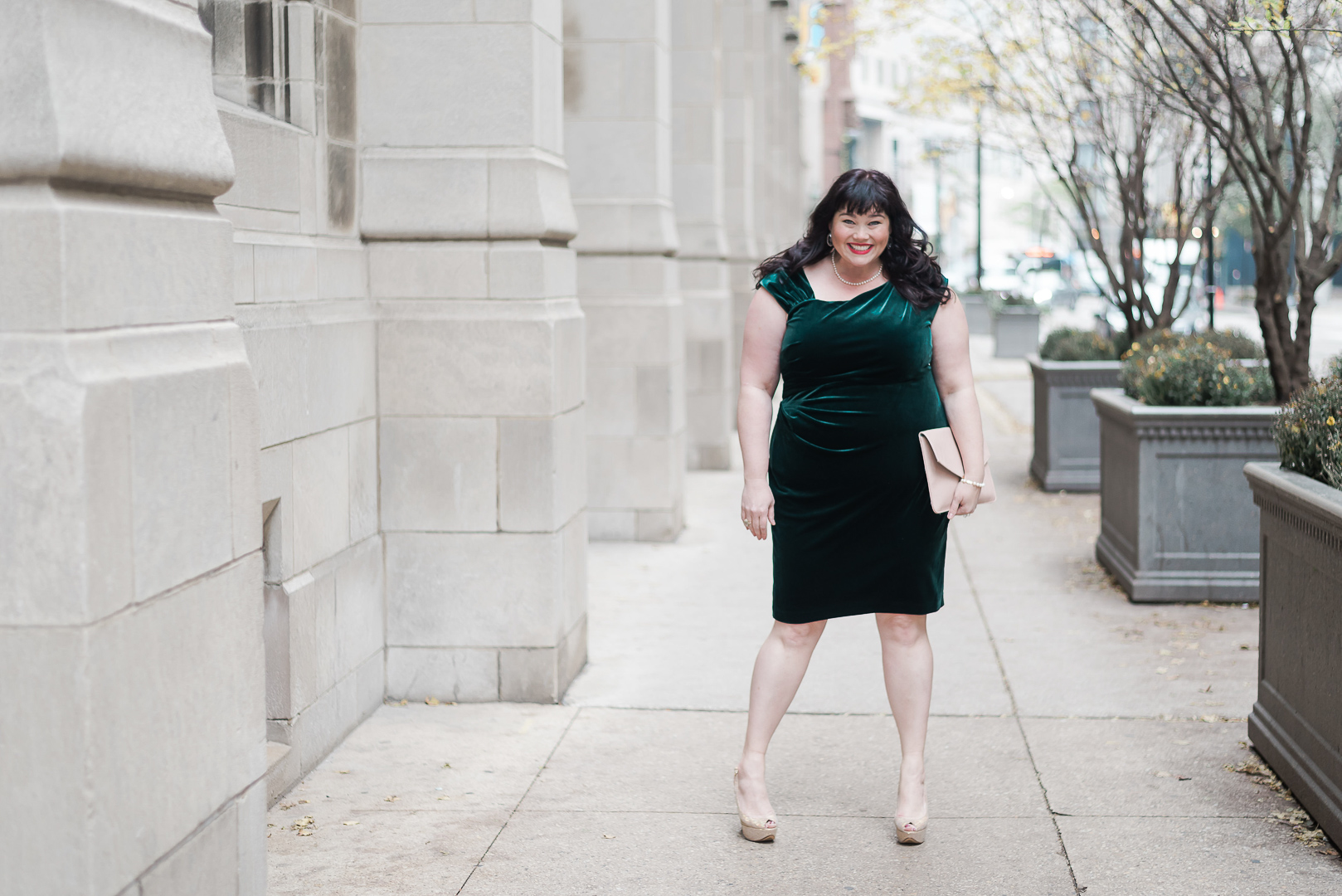 Emerald Green Plus Size, Macy's, Lauren Ralph Lauren Green Velvet Dress, Plus Size Style, Plus Size Fashion, Style Plus Curves, Chicago Blogger, Chicago Plus Size Blogger, Plus Size Blogger, Amber McCulloch