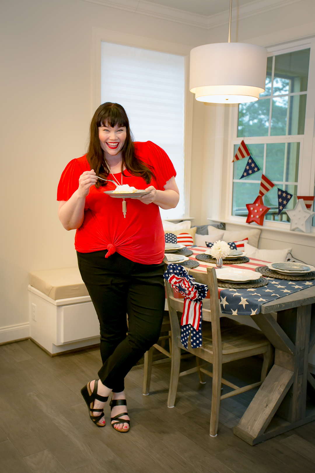 Plus Size Capsule Wardrobe, Avenue, Amber McCulloch, Style Plus Curves, Plus Size Blogger, Red Top, Black Jeans, Travel Wardrobe