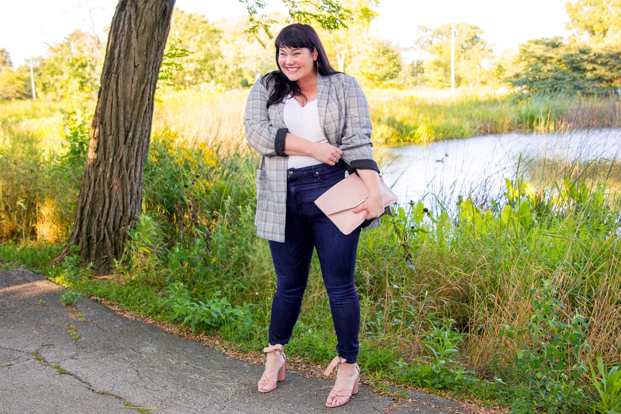 Chicago Plus Size Blogger wears trendy fall plaid blazer
